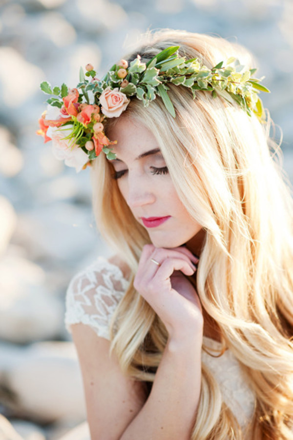 bridal-hairstyles-with-floral-crown-for-boho-chic-theme-wedding